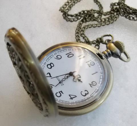 Часы на цепочке (цвет - античная бронза) 66x47Х14 мм ()