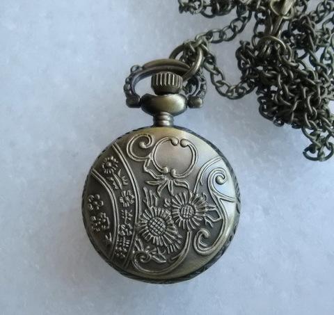 Часы на цепочке (цвет - античная бронза) 40х26Х11 мм