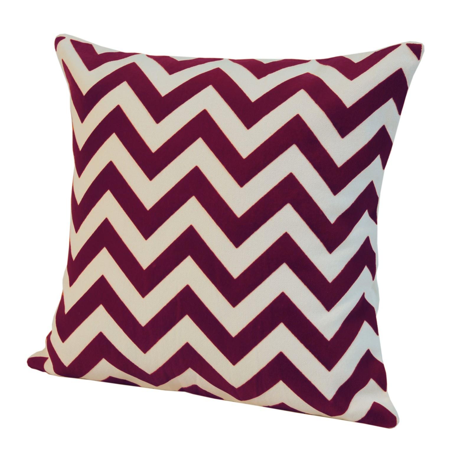 Элитная подушка декоративная Chevron красная от Casual Avenue