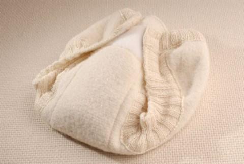 Пеленальные штанишки из свалянной шерсти