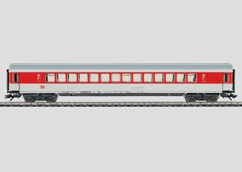 42861 Marklin Пассажирский вагон 1 класса с общим салоном скорого поезда
