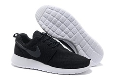 Nike Roshe Run Material Black White