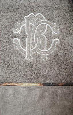 Халаты Халат махровый Roberto Cavalli Basic серый elitnyy-halat-mahrovyy-basic-s-kapyushonom-seryy-ot-roberto-cavalli-italiya.jpg