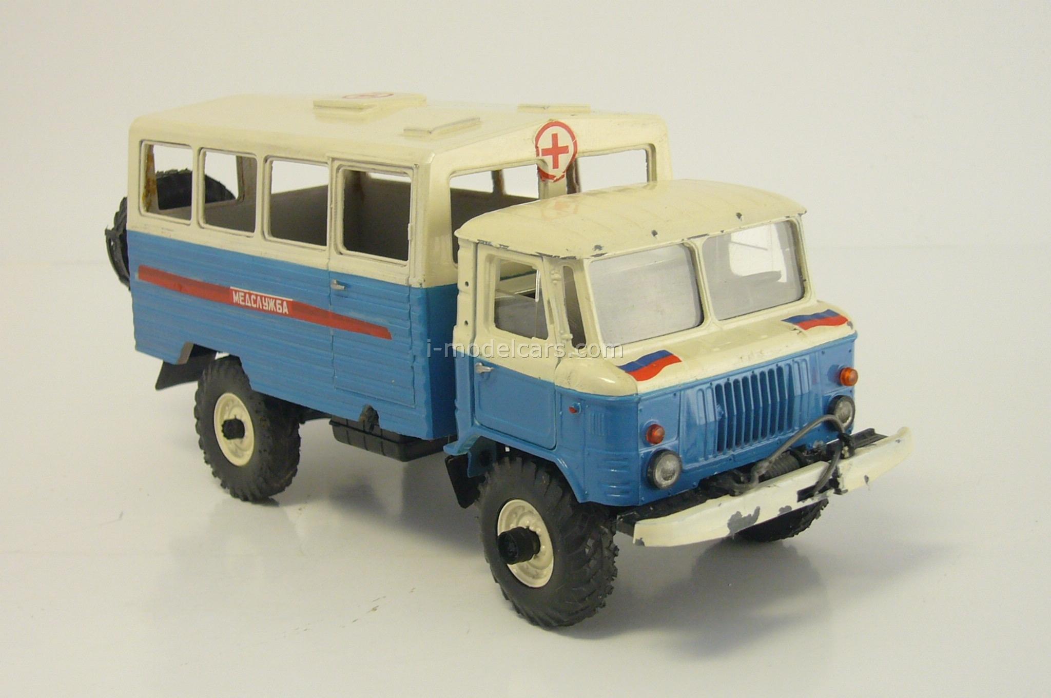 GAZ-66 VM-66 KUNG Medical service Ural Falcon USSR 1:43