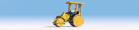 Noch 16767 Асфальтоукладчик (желтый) с фигуркой человека, НО