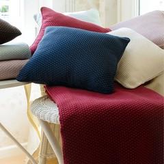 Элитная подушка декоративная Fresno красная от Casual Avenue