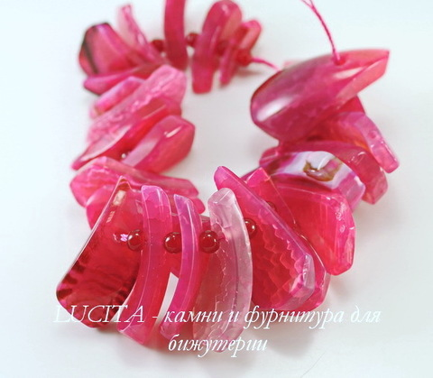 Бусина Агат (тониров), цвет - розовый, 19-42 мм, нить