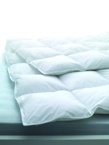 Элитное одеяло пуховое 200х220 Geneva SuperLight от Dauny