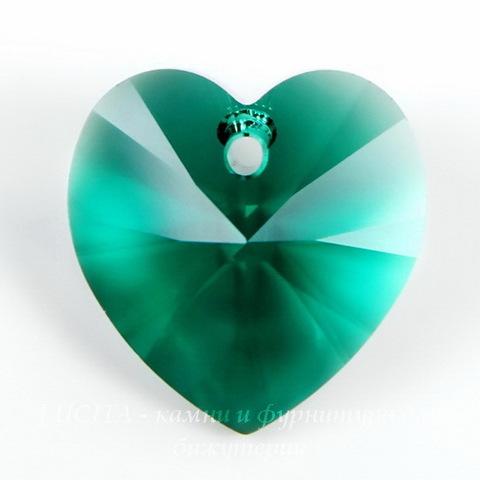 6202/6228 Подвеска Сваровски Сердечко Emerald (18х17,5 мм)