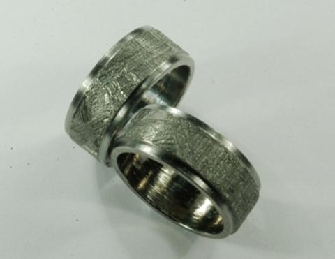 Кольцо из метеорита