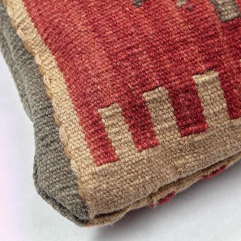 Элитная подушка декоративная Стандарт от Roomers