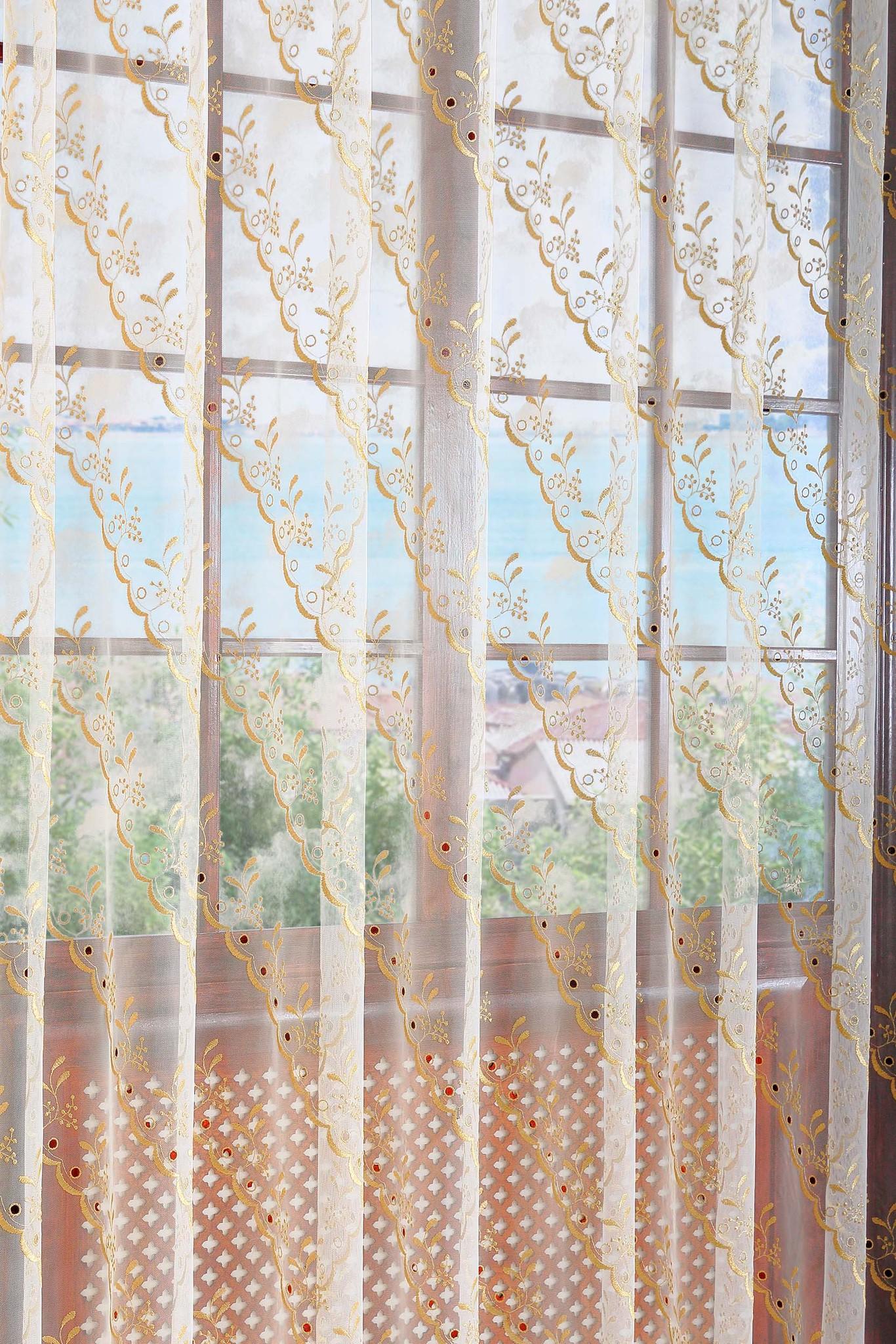 Штора. Французская сетка с диагоналным рисунком из золотой нити с люрексом