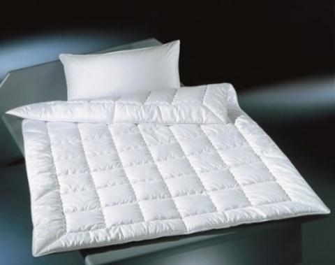Элитное одеяло легкое 200х200 Exquisit-Satin от Brinkhaus
