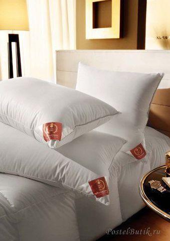 Элитная подушка Down Surround Medium от Brinkhaus