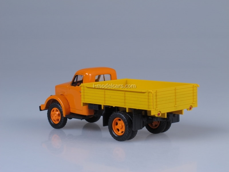 GAZ-51A orange-yellow 1:43 Nash Avtoprom