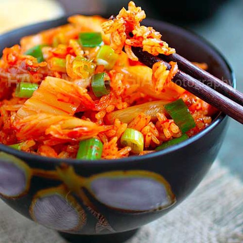 https://static12.insales.ru/images/products/1/6196/35035188/kimchi_fried_rice.jpg