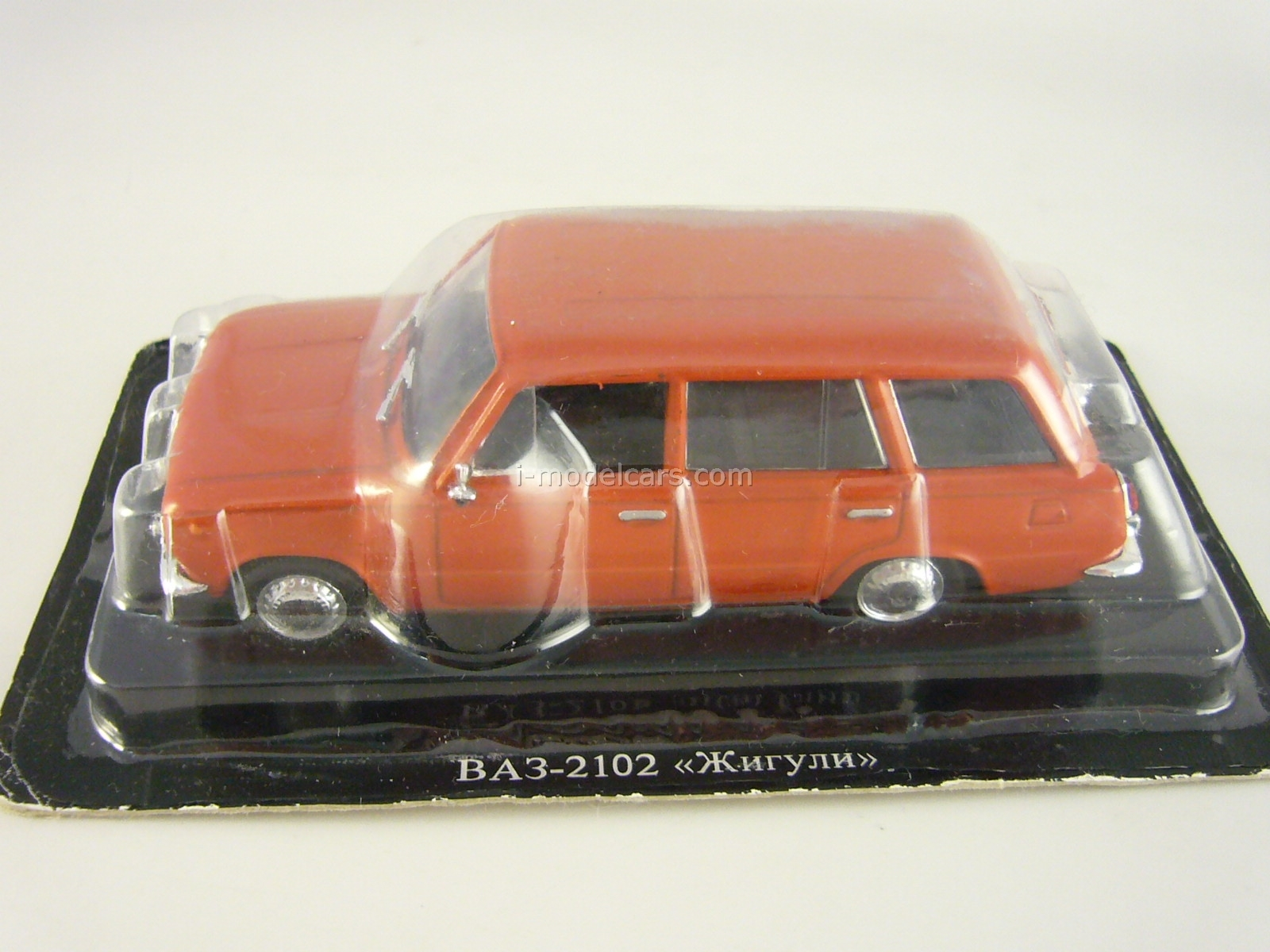 VAZ-2102 Lada red 1:43 DeAgostini Auto Legends USSR #14