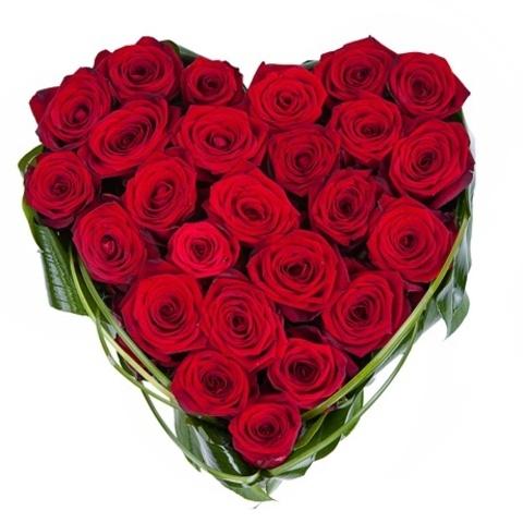 Сердце из 25 красных роз