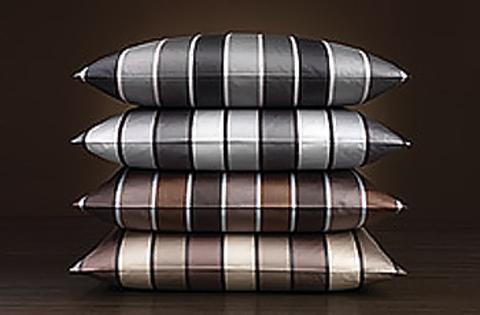Элитная наволочка Stripe коричневая от Elegante