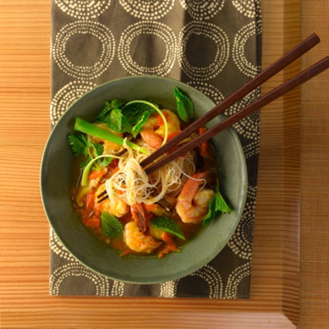 https://static12.insales.ru/images/products/1/6304/9689248/0395433001334144041_Rice_noodles___shrimp_soup.jpg