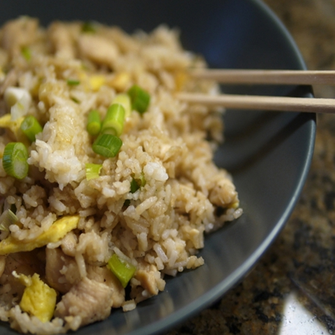 https://static12.insales.ru/images/products/1/6323/9689267/0669032001339239257_ChickenFriedRice.jpg