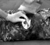 Эластичный марлевый бинт с клапаном давления, мобильной подушкой и петлевой ручкой (10 х 17 см) FCP07 First Care