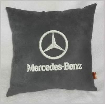 логотипа мерседес бенц на ткани