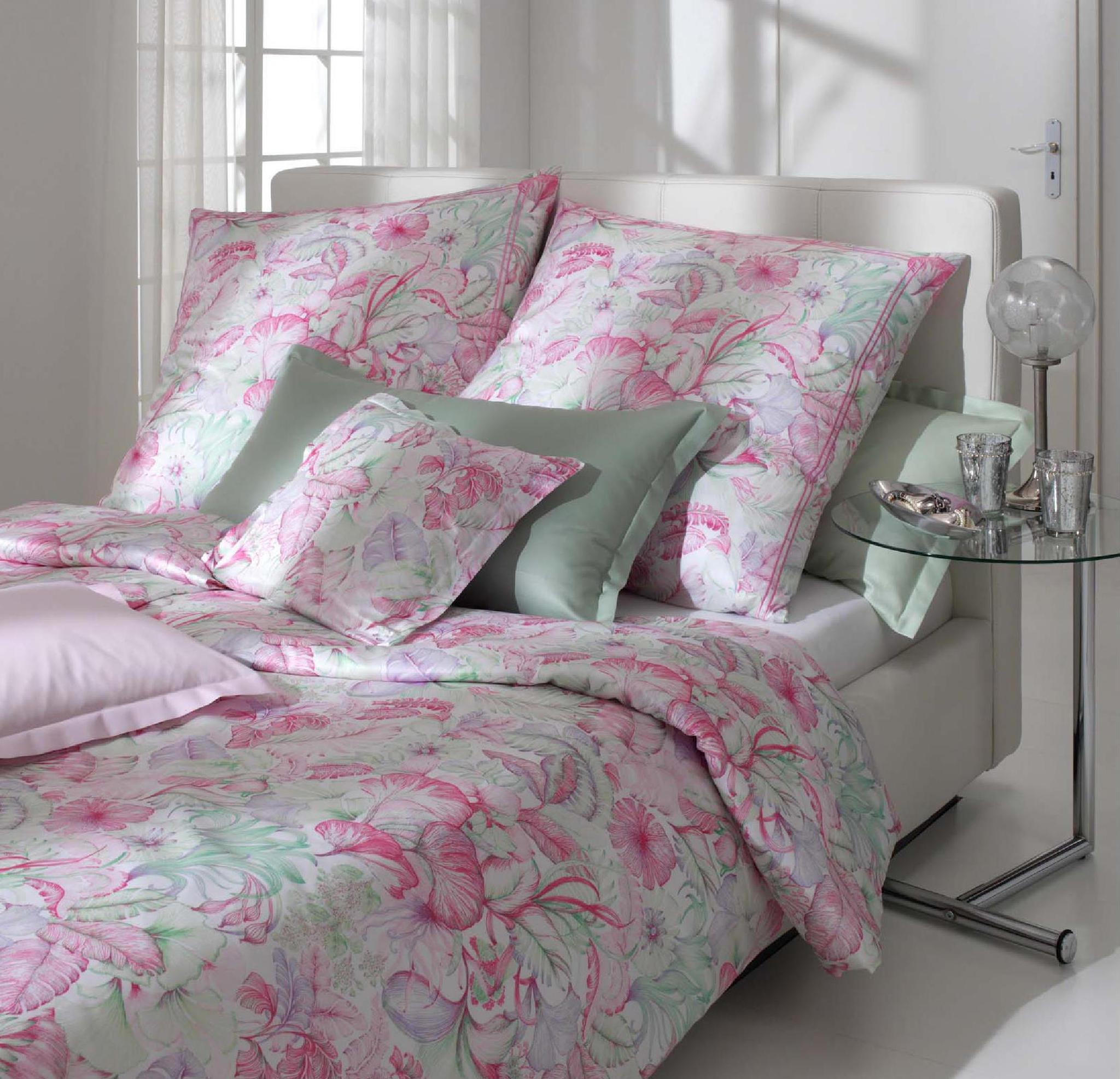 Элитная наволочка Antiqua розовая от Elegante