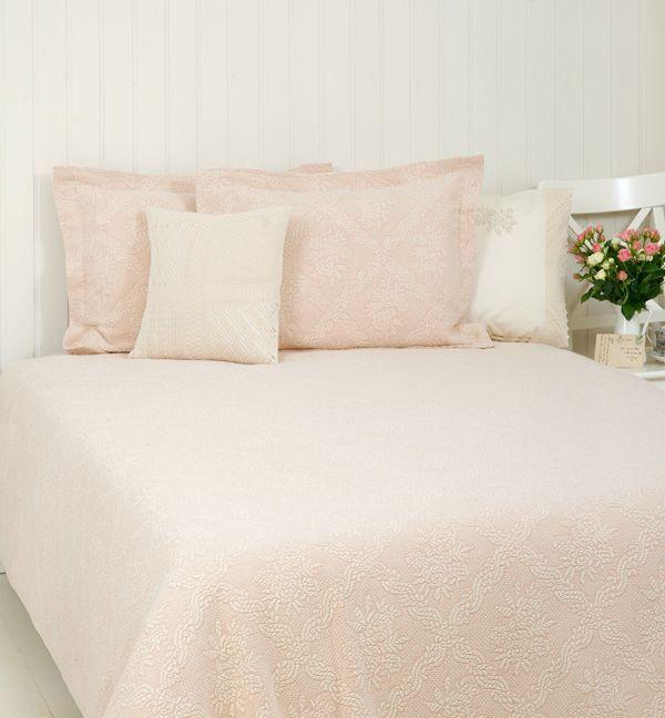Покрывала Покрывало 150x220 Ilia Luxberry розовое elitnoe-pokryvalo-xlopkovoe-ilia-rozovoe-ot-luxberry-portugaliya.jpg