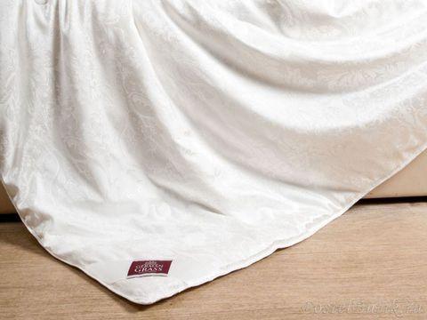 Элитное одеяло шелковое легкое 150х200 Fly Silk от German Grass