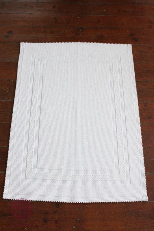 Коврики для ванной Коврик для ванной 55х75 Luxberry Универсальный белый kovrik-dlya-vannoy-universalniy-luxberry-portugaliya-2.jpg