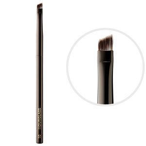 Скошенная кисть для подводки No. 10 Angled Liner Brush