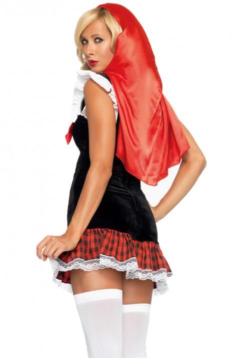 Фото под юбочкой у красной шапочки