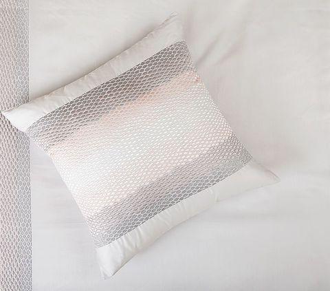 Наволочка декоративная 42х42 Luxberry Calipso серый жемчуг