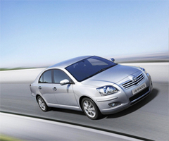 Защита передних фар карбон Toyota Avensis 2006- (EGR-1054CF)