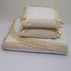 Элитное покрывало и 2 декоративные подушки Rombetti от Old Florence