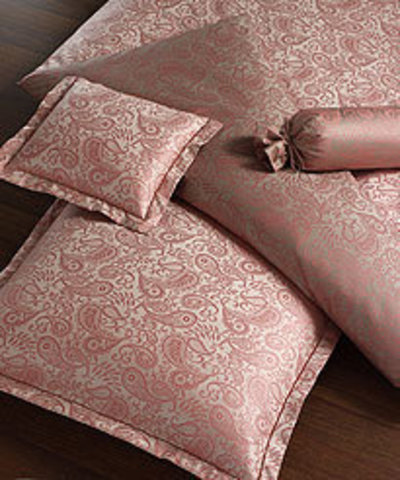 Элитная наволочка Palais розовая от Elegante