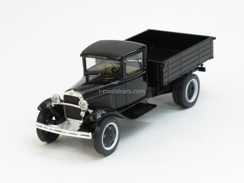 GAZ-AA black chrome 1:43 Nash Avtoprom