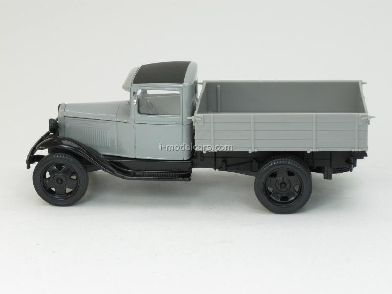 GAZ-AA gray 1:43 Nash Avtoprom