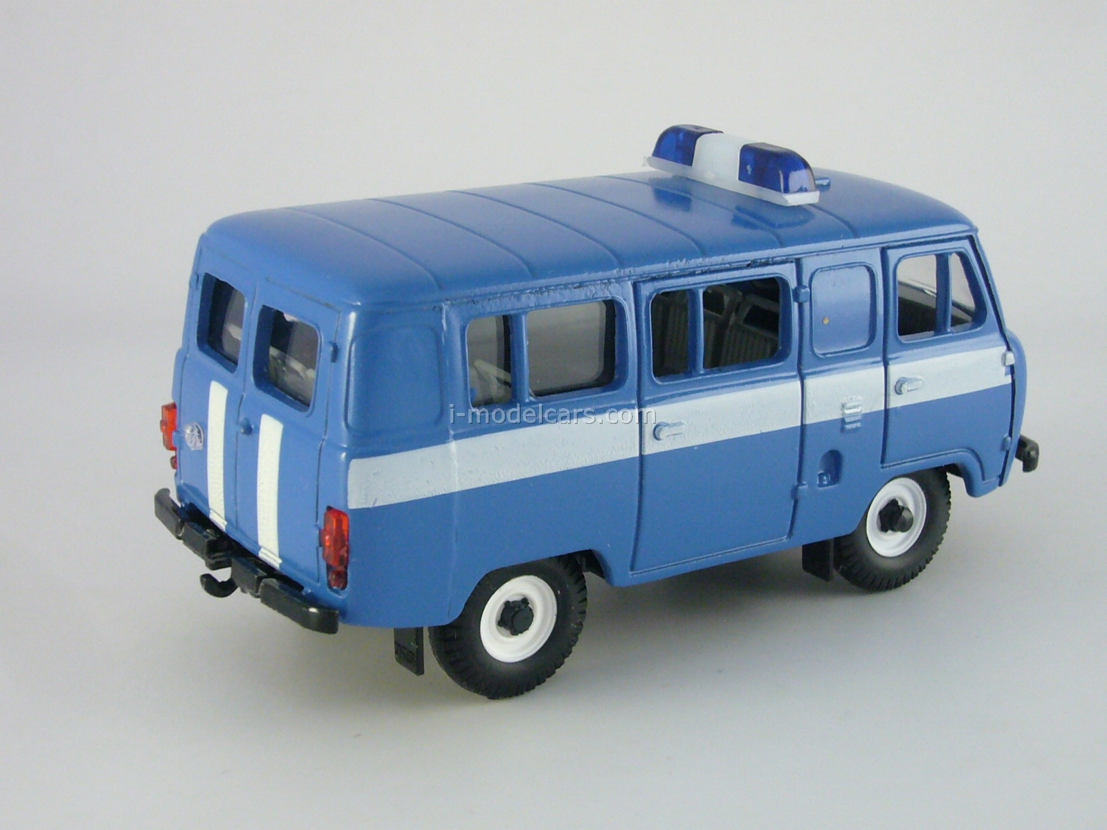 UAZ-3962 Communication 1:43 Agat Mossar Tantal