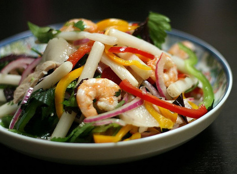 https://static12.insales.ru/images/products/1/775/20865799/vietnamese_salad.png