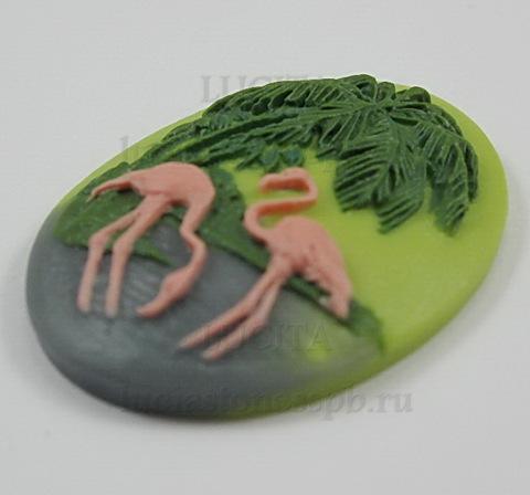 """Камея """"Фламинго"""" на зеленом фоне 30х40 мм ()"""