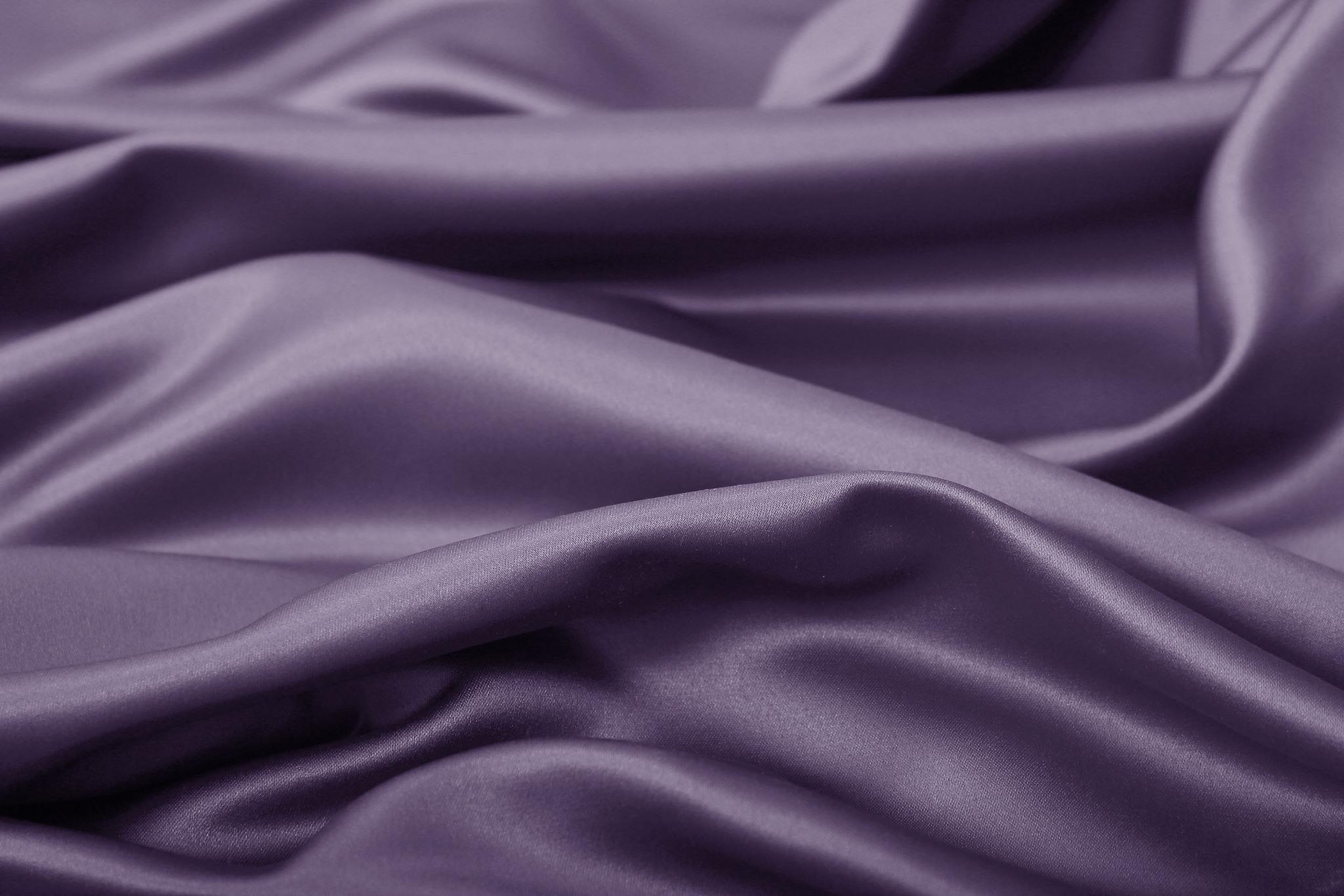 Silky (violet), Шторы из люкс-сатена однотонного.