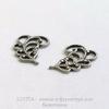 Винтажный декоративный элемент - Пара ажурных листочков 14х10 мм (оксид серебра)