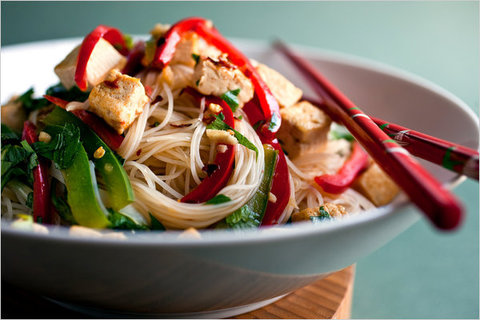 https://static12.insales.ru/images/products/1/8044/13705068/fried_noodles_tofu.jpg