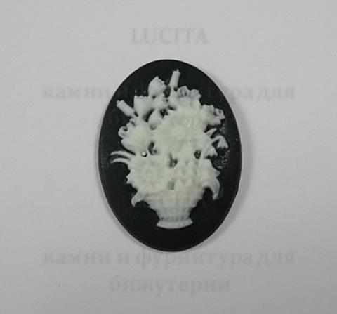"""Камея """"Корзина с цветами """" белого цвета на черном фоне 25х18 мм ()"""