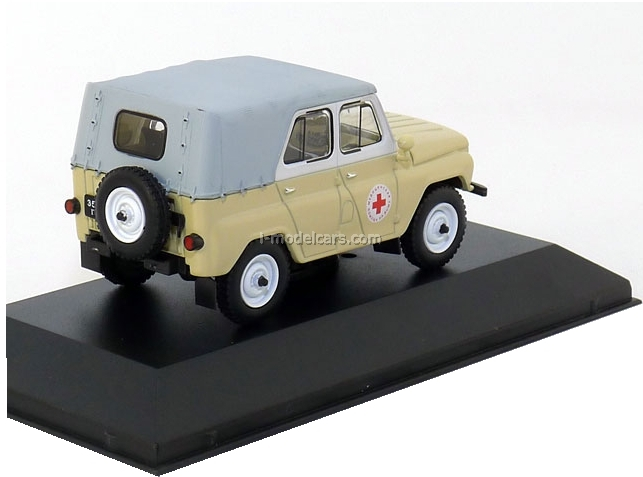 UAZ-469BG Medical beige 1977 IST040 IST Models 1:43