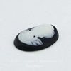 """Камея """"Девушка"""" белого цвета  на черном фоне 25х18 мм"""