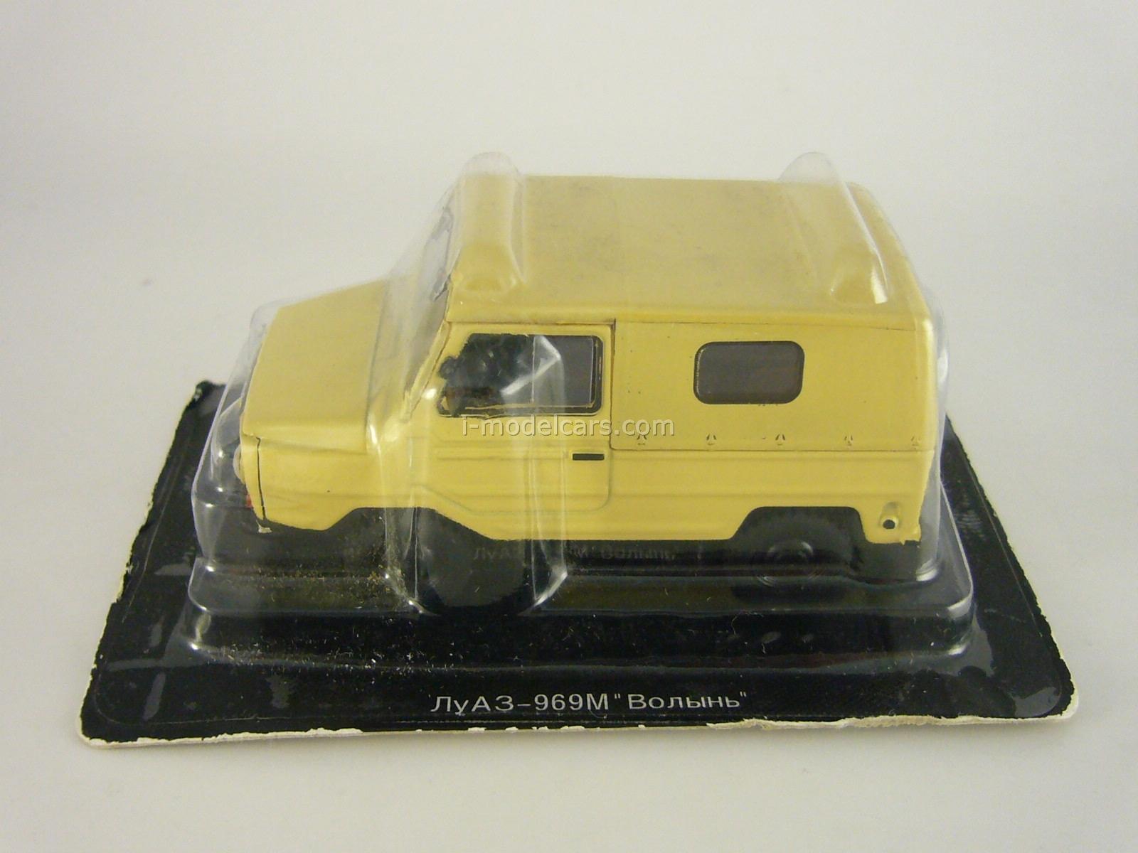 LUAZ-969M Volyn beige 1:43 DeAgostini Auto Legends USSR #33
