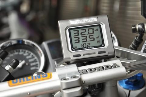Датчики давления в шинах (TPMS) Carax CRX-1023 с 2-я датчиками